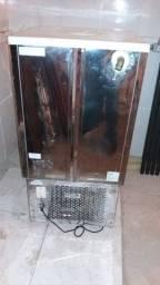 Resfriador de água p/fabricação de massas 100 lt. Maxfreezer.