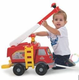 Carrinho de bombeiro