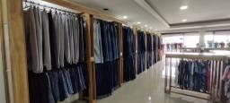 instalacao da loja d roupa e mercadoria a vende encerramento do trablho