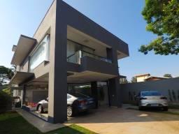 Título do anúncio: Casa Moderna estilo Loft à venda, com 4 Quartos, sendo 1 Suíte Master, 3 banheiros e 6 Vag