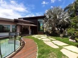 Casa linear mobiliada  com 07 quartos sendo 05 suites em Macaé