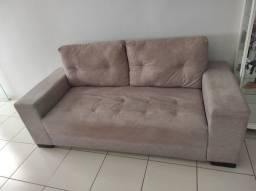 Dois sofás usados.