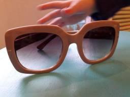 Óculos de Sol caramelo com lente marrom usado somente 1 vez