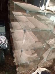Balcão de vidros, gôndolas de vidros, prateleiras de vidros