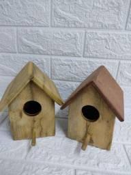 Casa para pássaro em madeira maciça