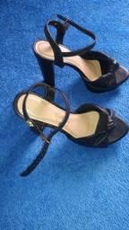 Título do anúncio: Vendo ou troco sapato novo número 35
