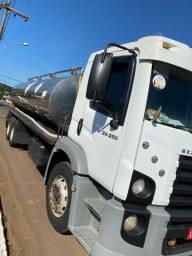 vw 24.250 tanque de leite em inox, ano 2011