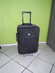 Vende uma mala grande para viagem
