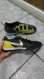 Chuteira Nike T90 Society