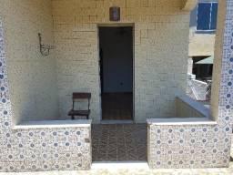 Casa vazia em Irajá com 2 quartos, terraço, ampla cozinha, garagem coberta. Imperdível!