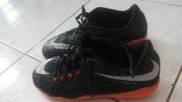 Vendo Tênis de Futsal marca Nike
