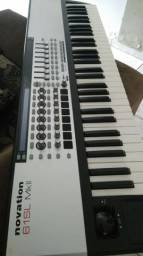 Controlador Novation SL MKII 61 teclas