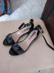 Sandálias e sapatilhas direto da fábrica originais