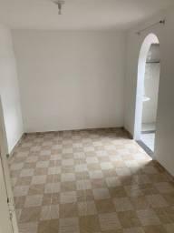 Alugo quarto e sala R$900,00