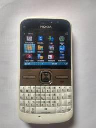 Celular Nokia e5 para ligações com Wi-Fi e Bluetooth não pega whatsapp