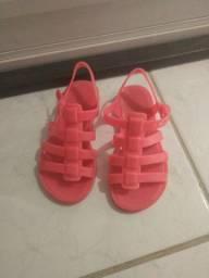 Sandália plástico 3 anos