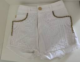 Shorts Dimy Com Detalhe de Renda Off- White