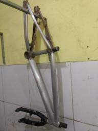 Título do anúncio: Vendo esse quandro  Cross aro de alumínio em perfeito estado só pega e monta sua bike