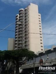 Apartamento à venda, 4 quartos, 2 suítes, 2 vagas, Centro - Uberlândia/MG