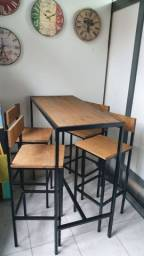 Mesa e Cadeiras Móvel Estilo Industrial