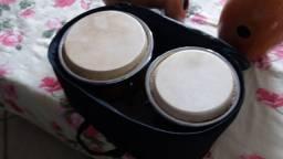 kit percussão bongo e par de udus
