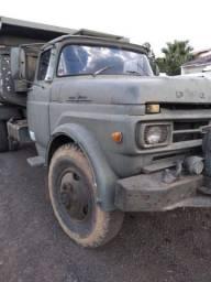 Caminhão exército F600