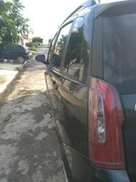 Vendo Fiat Idea Attractive - 2012