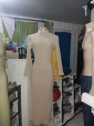 Lote de roupas com 600 peças selecionadas