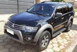 Vendo Mitsubishi Pajero Outdoor 3.2 Diesel 4x4. Único Dono - 2017