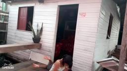 Vendo ou troca uma casa situada em área de ressaca na avenida Pará