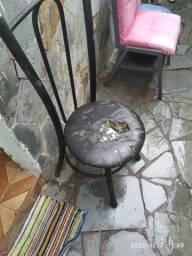 2 Cadeiras Firmes e baratas