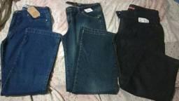 Calças jeans e sociais feminina.