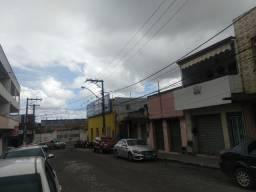 Alugo imóvel comercial no Centro de Alagoinhas - BA