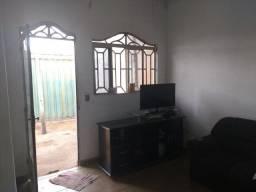 Vendo casa 3 quartos na QNR 04, R$ 110 mil, aceitamos proposta