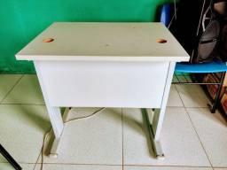 Título do anúncio: 02 Mesas de escritório valor R$ 100,00 cada
