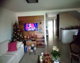 Casa duplex, 5 quartos sendo 3 suítes, piscina privativa, 6 vagas, área verde, Pedra do Sa