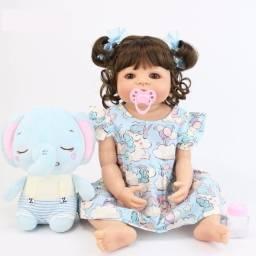 Título do anúncio: Boneca Bebê Reborn Menina Corpo Silicone Acessórios - 57cm