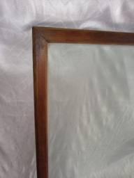Tampo de vidro com bordas de cerejeira