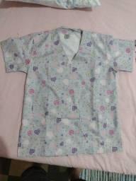 Título do anúncio: 2 blusas zeradas, Tam P, 40 R$ cada.