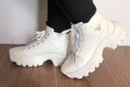 Título do anúncio: bota plataforma branca