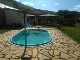Granja 1495m2 sítio Pinheiro BR 040,casa 2 quartos,sala, cozinha, piscina