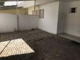 Casa com dois quartos sendo uma suíte no bairro do Cristo