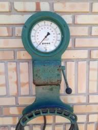 Calibrador de pneu antigo