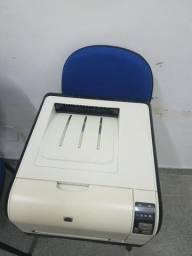 Impressora HP LaserJet CP 525 nw Color
