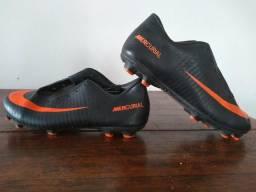 03709857ffa79 Barbada Chuteira Campo Nike Mercurial 35 Ac Cartão