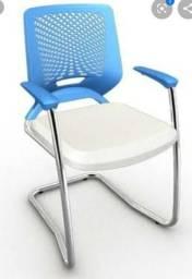 Cadeira escritório e decorativa beezi cromada na promoção