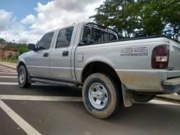 Vende-se essa picape Range 4×4 diesel 3.0 - 2008