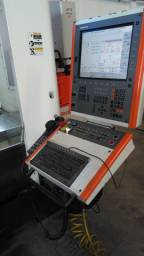 Centro de Usinagem freza Mikron modelo 800
