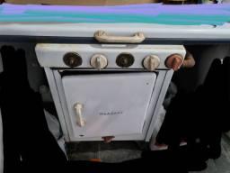 Fogão à gás antigo
