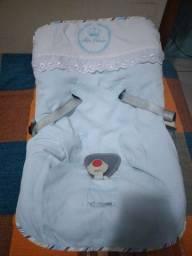 Bebê conforto unissex.